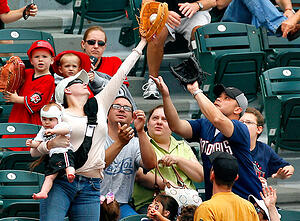 foul_ball_misses_point_and_internet_marketing_consultant_needs_to_fix