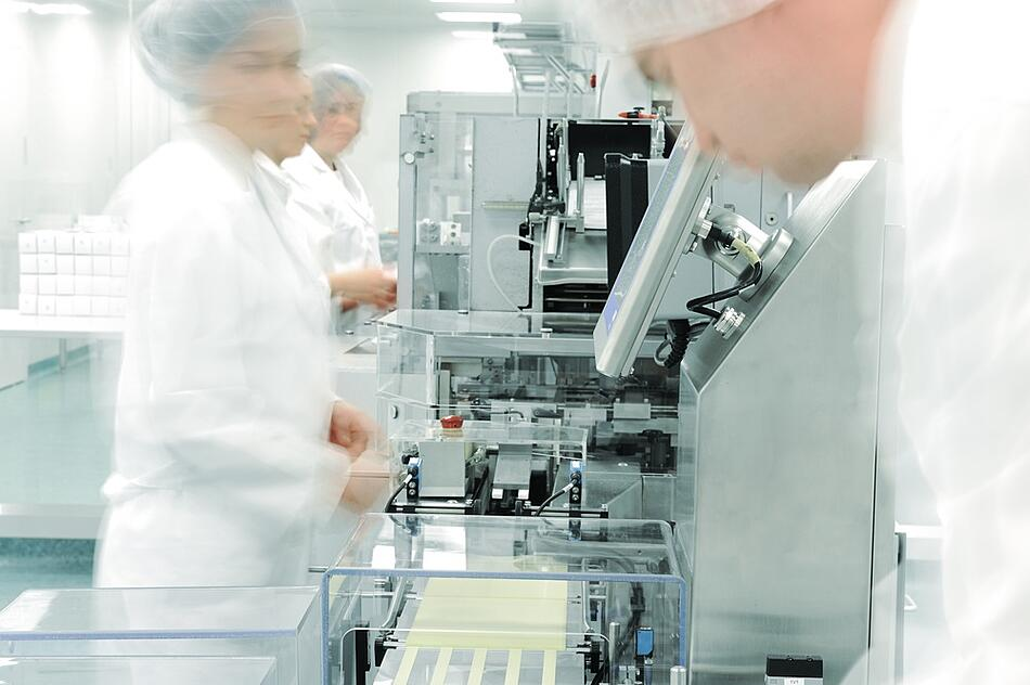 industrial marketing helps to solve advanced manufacturing hiring and workforce